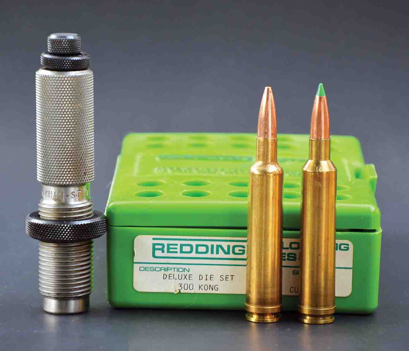 The .300 Kong (right) can be formed by running .30-378 Weatherby Magnum brass (left) through a Redding full-length resizing die and then fire-forming. The .378 Weatherby Magnum case can also be used.