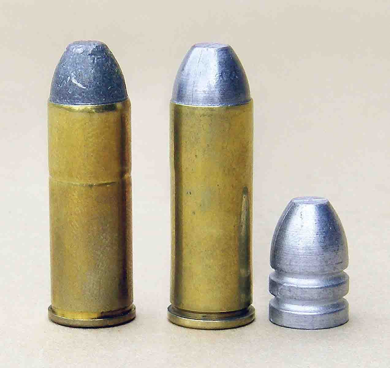 Brian's handload (right) consists of a cast bullet from Lyman mould 454190. The bullet weighs around 255 to 260 grains and is profiled similarly to the factory load (left).
